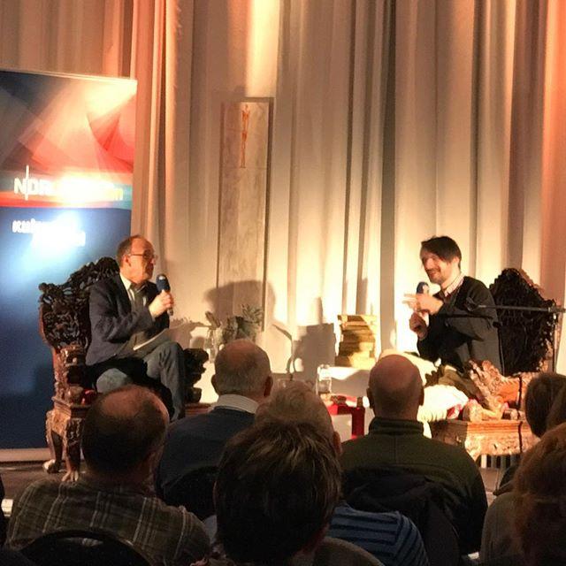 Es geht los! Volles Haus in Eckernförde mit Saša Stanišić. #dernordenliest2016 #dnl2016 #heinekomm