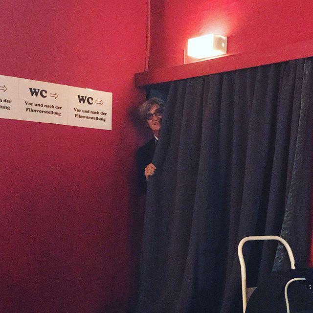 Wim Wenders blickt durch #wimwenders #einmannseineswortes #amanofhisword #heinekomm