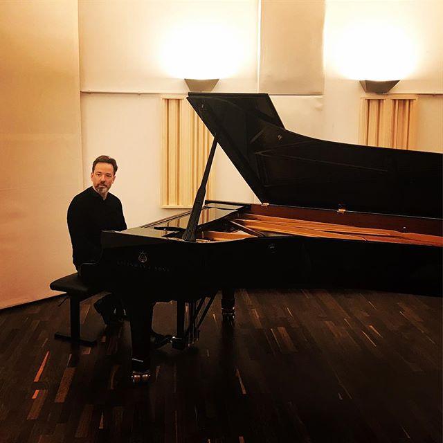 Produktionsvorbereitung zur Aufnahme mit dem Pianisten Michael Theede #michaeltheede #klangmanufaktur #grandpiano #steinwayd #udojürgens #pianosolo #compactdisc #audiophiles #heinekomm