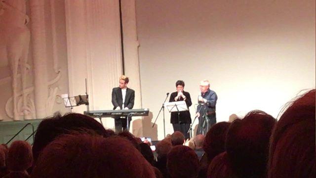 Fundstück: Buchpremiere »Barbara« mit Wolf Biermann und Uschi Brüning im März dieses Jahres in Leipzig #wolfbiermann #uschibrüning #jazzsinger #jazzisfreedom #leipzigerbuchmesse #heinekomm