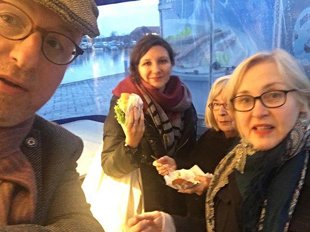 Warmup mit #fischbrötchen #emden #freepsum #dernordenliest2019 #dnl19 #ndrkulturjournal #heinekomm