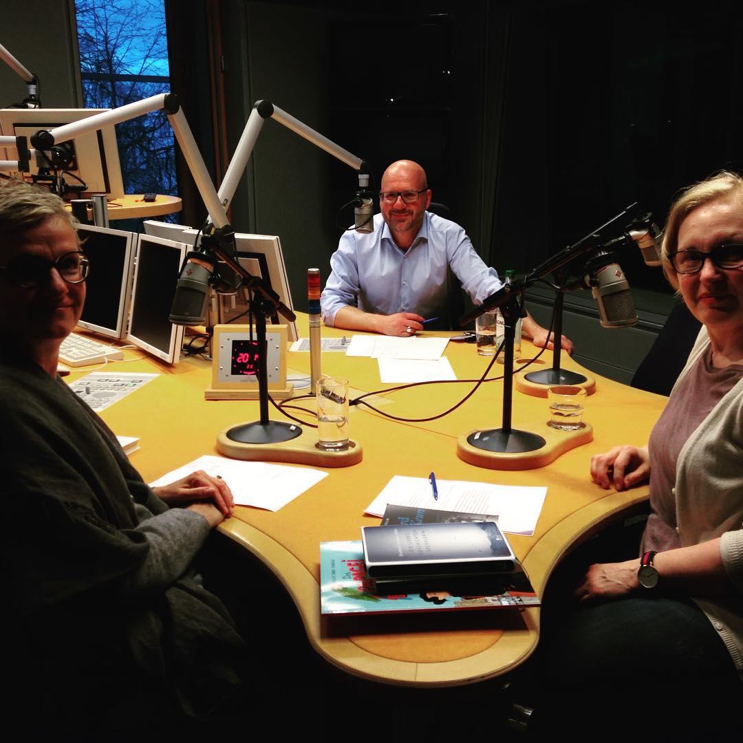 Barbara Heine zusammen mit Annerose Beurich und Moderator Torsten Pilz im Studio von NDR 90,3 #ndr903 #treffpunkthamburg