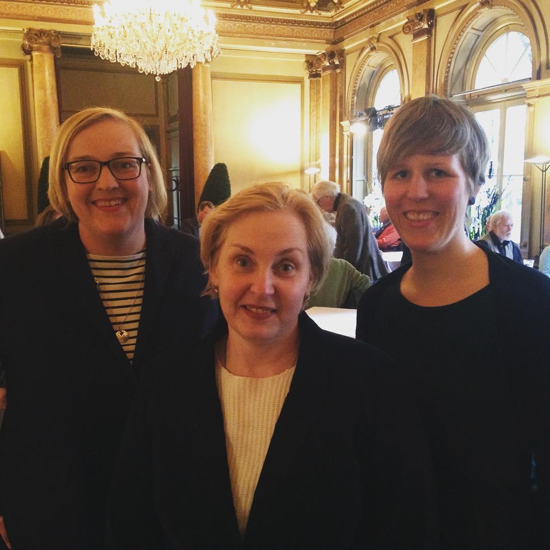 Drei Generationen Pressesprecherinnen des Hamburger Literaturhauses an einem Abend vereint: Antje Flemming (2002-16), Barbara Heine (2001-02) und Carolin Löher (2016 ...) #literaturhaushamburg